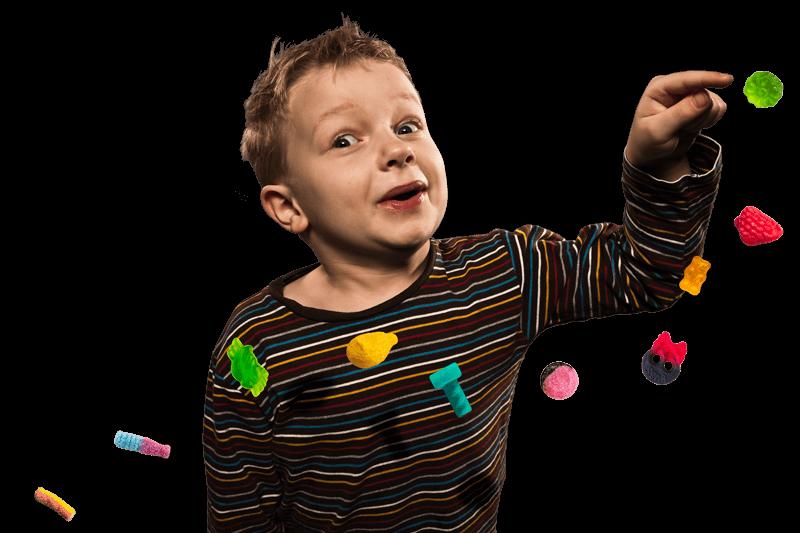 Leijuvat karkit seuraavat pojan sormea
