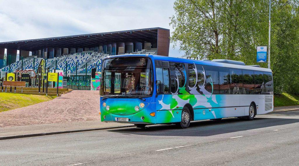 Paikallisliikenteen brändiuudistus juoksutti porot kaduille – Rovaniemen kaupunki